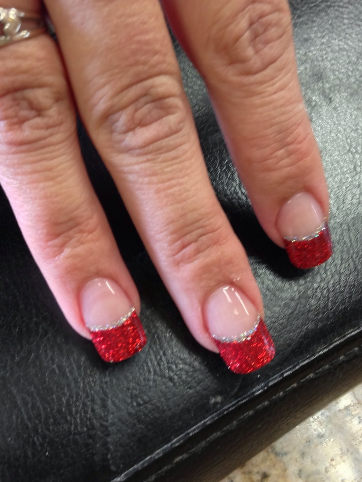 Red and silver nails for Christmas holiday.