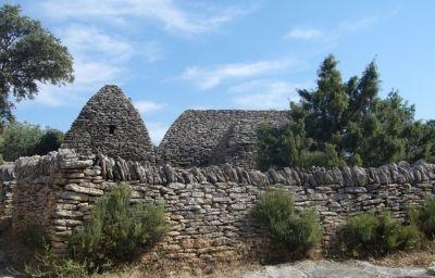 Vesnice Bories a opatství Sénanque - Provence, jak má být