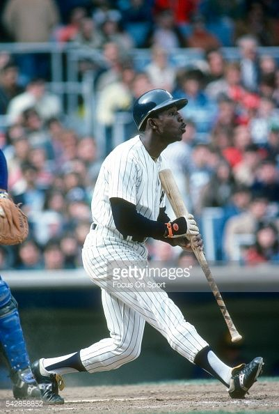 mickey-rivers-of-the-new-york-yankees-bats-during-an-major-league-picture-id542858852 (401×594)