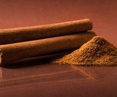 Chutná, voňavá škorica pomáha, ale môže aj uškodiť. Toto starodávne korenie používali už starí Egypťania, ktorým pomáhala pri mykózach nôh, či žalúdočno-črevných problémoch. V Číne bola škorica cenená viac ako zlato. V priebehu histórie sa jej obľúbenosť