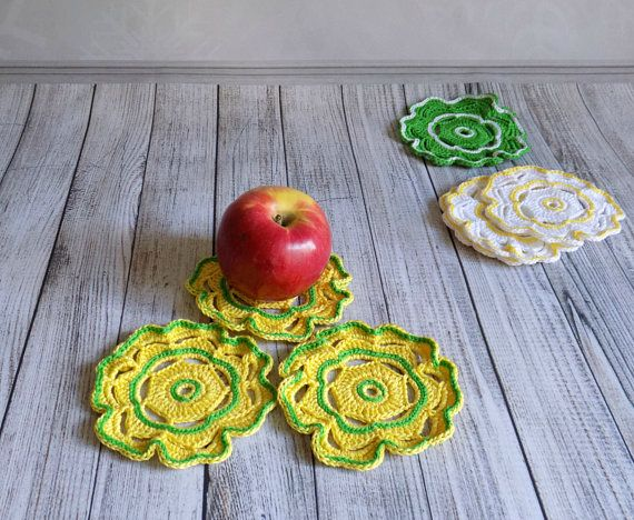 Set of 3 crochet coasters Stands under hot cup white green