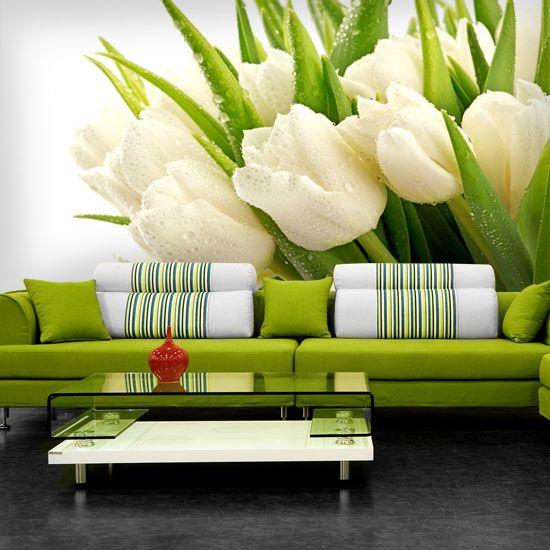 Wiosenny bukiet białych tulipanów na fototapecie.