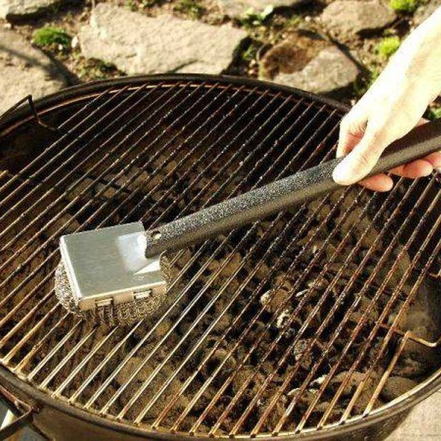 25 best ideas about clean grill grates on pinterest clean stove grates cleaning oven burners. Black Bedroom Furniture Sets. Home Design Ideas