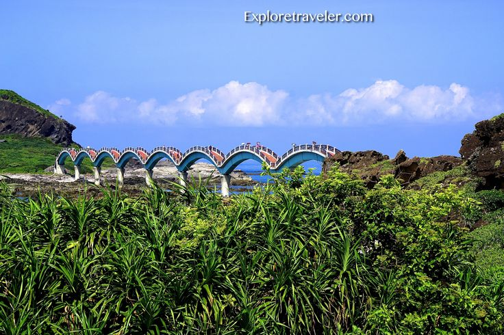 Taiwan's Dragon Bridge connecting Sanxiantai Island and the Taiwan East Coast http://exploretraveler.com/
