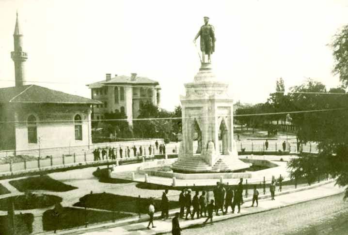 Heinrich Krippel, Atatürk anıtı,1926, Konya (Erdinç Bakla archive)