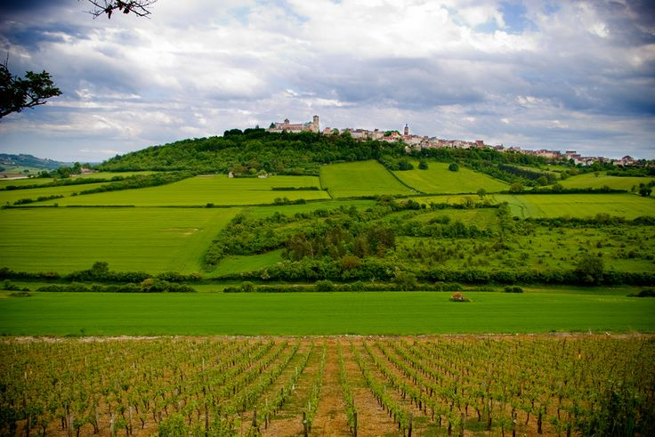 FRANCE, VEZELAY VIEW