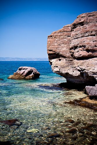 This is my Greece | Clear waters in Skala Sykamineas on Lesvos island