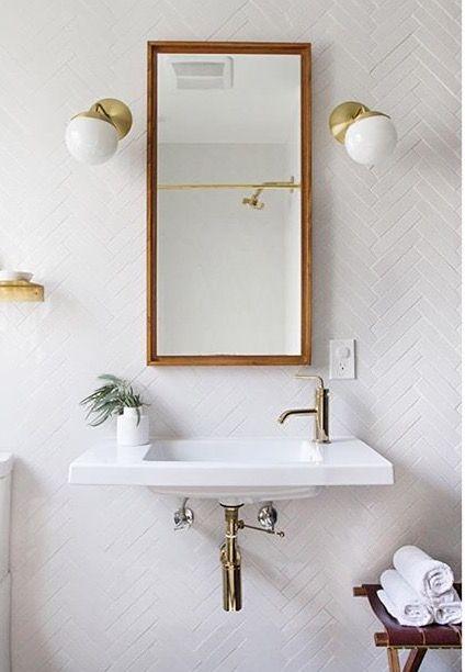 25 beste idee n over badkamer tegelwanden op pinterest betegelde badkamers douche tegels en for Idee betegelde toiletruimte