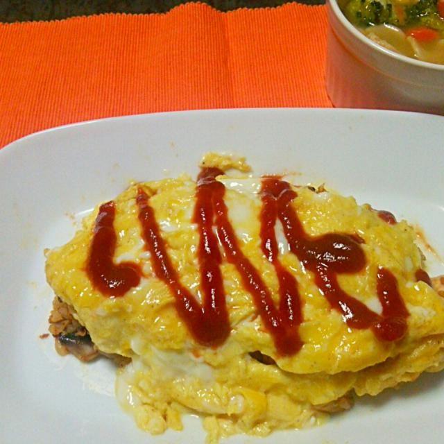 オムライス包むの下手すぎ(^_^;) - 6件のもぐもぐ - オムライス、野菜スープ by strawberryc75
