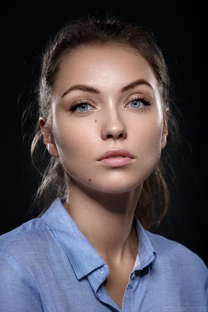 Pin On Portraits Headshots