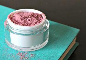 ¿Quieres una piel libre de químicos? Aprende a preparar tu propio maquillaje hecho en casa.
