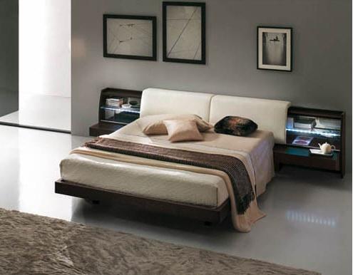 letto con comodini integrati e schienale