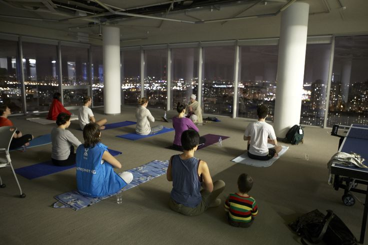 Йога в Yota для сотрудников и их близких