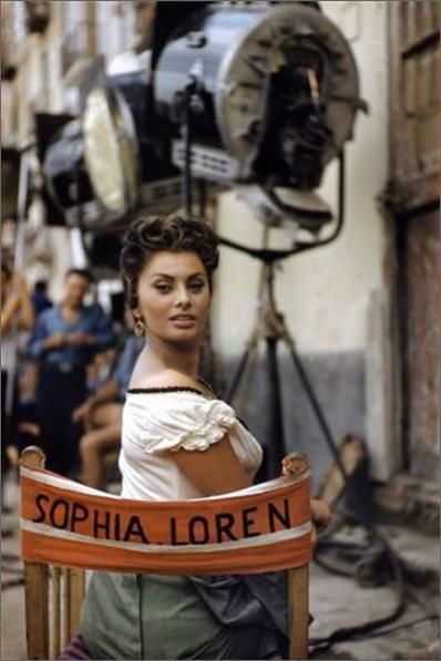 vintage everyday: Cliassic Beauty Icon of Italy – 36 Stunning Color Photos of Sophia Loren in the 1950s and 1960s