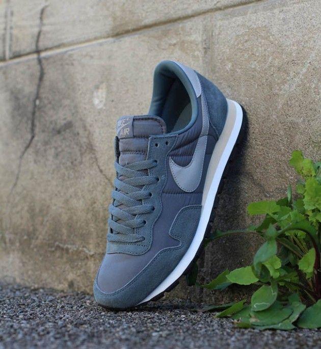 Nike Air Pegasus 83, first pair on Nikes I ever had.