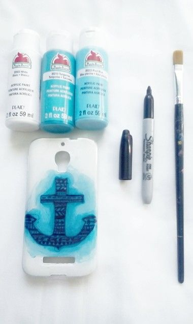 »Easy phone case DIY.« All u need is a clear phone case, acrylic paint (of your choice) and a sharpie!  Remeber to paint the INSIDE of the case, not the outside:)