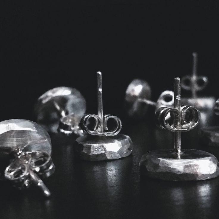 Estructuras de plata para pendientes.