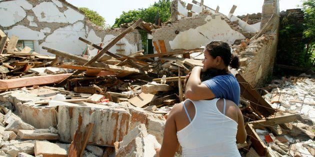 Sube a 90 el número de muertos por el sismo en México