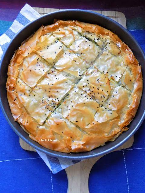 Πίτα με σπανάκι και σύγκλινο Μάνης http://pepiskitchen.blogspot.gr/2011/11/blog-post_10.html
