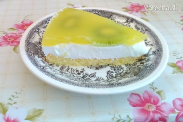 Jarná šumienkovo-kiwová torta