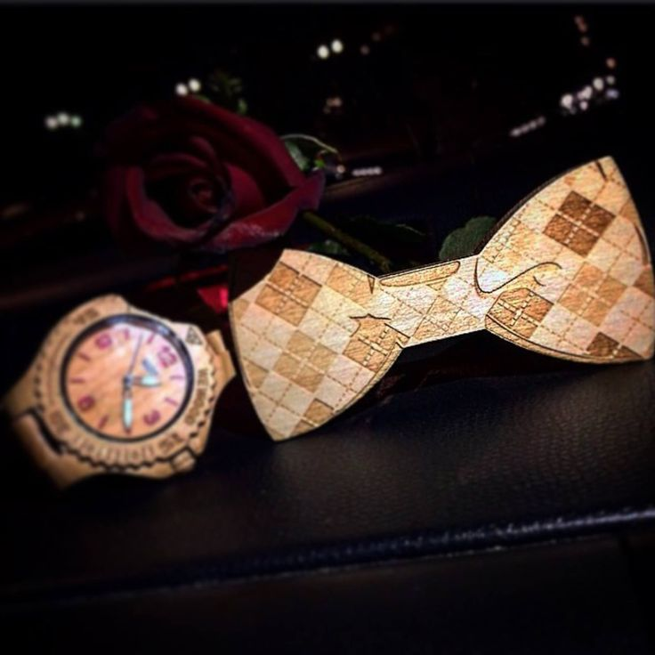 Thanks @albertoroma5 to share! Join us www.toosuits.com  Like a gentleman... #bowtie #papillon #papyon #instapapillon #style #stylish #stylishmen #mensstyle #gentleman #rose #red #night #passion #life  Il Papillon in legno e tantissimi altri accessori acquistabili sul sito www.toosuits.com #staytuned  #bowties #colorful #wood #suspenders #watches #elegance #smart #instafashion #fashionable #wiwt #ootd #followme #joyful