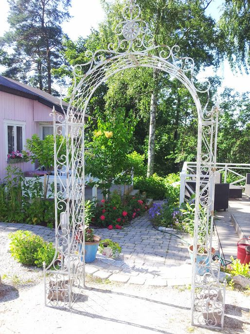 I found the perfect garden arch - Summer 2013