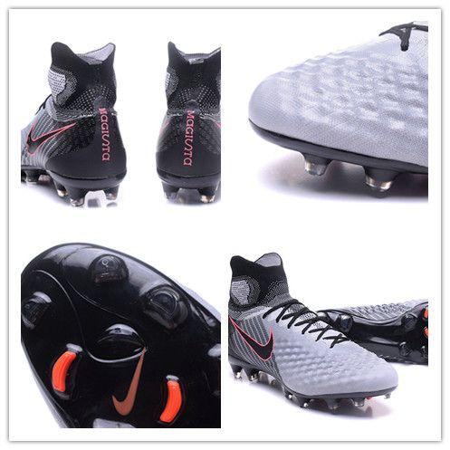 Nike Magista Obra II Gris Col Dynamic Fit reliant le bas de la jambe au pied, sans entraver les mouvements.Ses crampons pour terrain sec sont adaptés aux terrains en herbe rase légèrement humides mais rarement boueux.