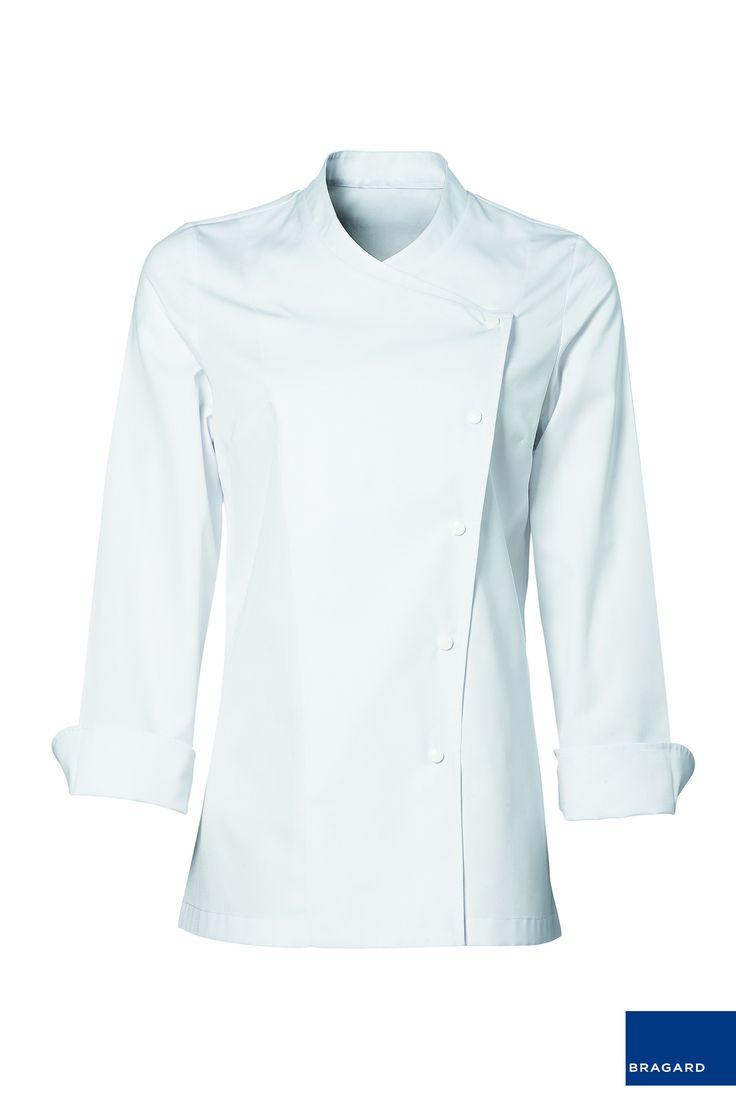 JULIA CHAQUETILLA DE COCINA MUJER BLANCO Chaquetilla de cocina de señora, cierre con automáticos, mangas largas, ventilación en axilas Largo 72cm 65% poliéster, 35% algodón Blanco