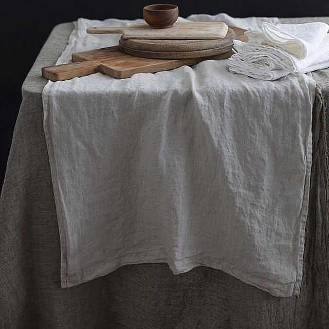 HMCo relaxed luxury for the table. Our Gras tablecloth with Sable accessories.