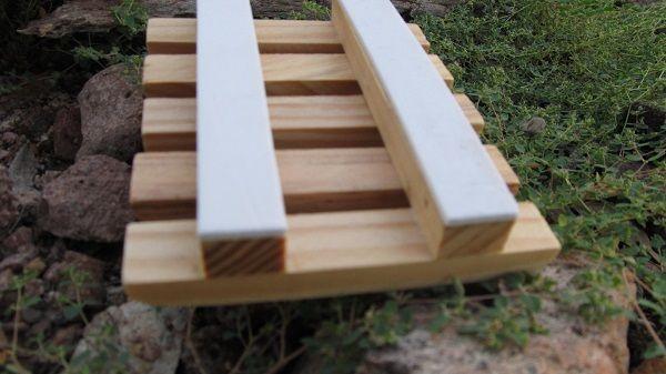 "Natural Pine Wood Soap Dish With ""Protectors""."