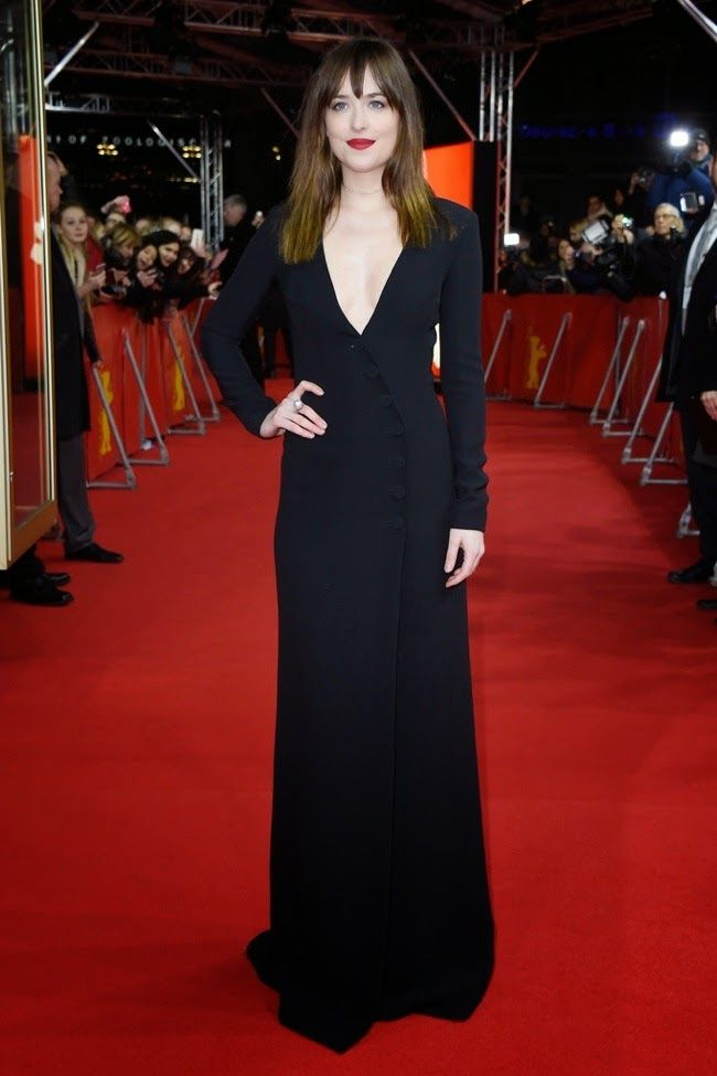 Hilary Blonde: Dakota Johnson vestida de Dior en el estreno en Berlin de Cincuenta sombras de Grey