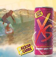 Gran sabor y energía, sin azúcar, sin carbohidratos y con sólo 1 kcal. XS es una bebida adicionada con cafeína, que contiene taurina y vitaminas del complejo B.