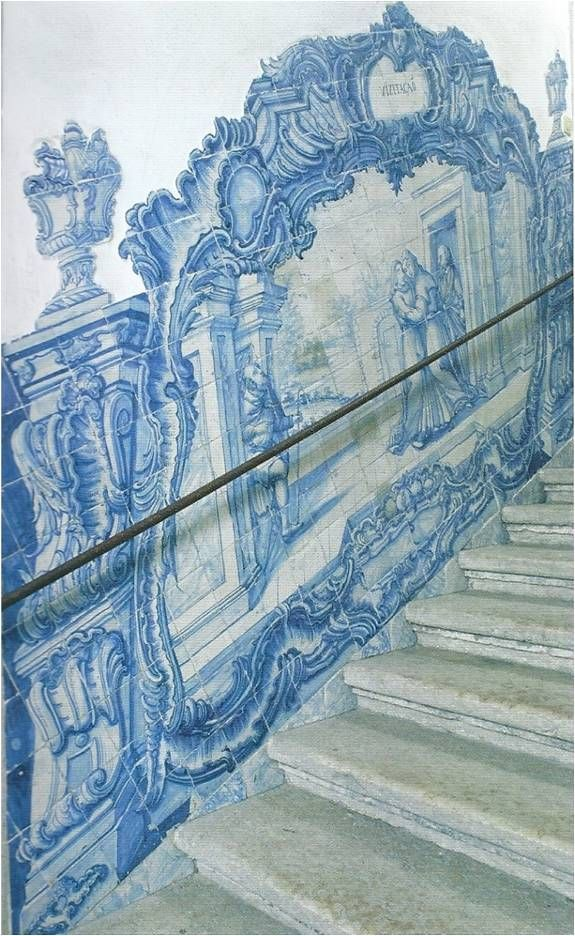 Lisboa, College of Meninos Órfãos [photo: Alexandra Gago da Câmara] #coquillage #blueandwhite #azulejo #frame #collaborativetimeline
