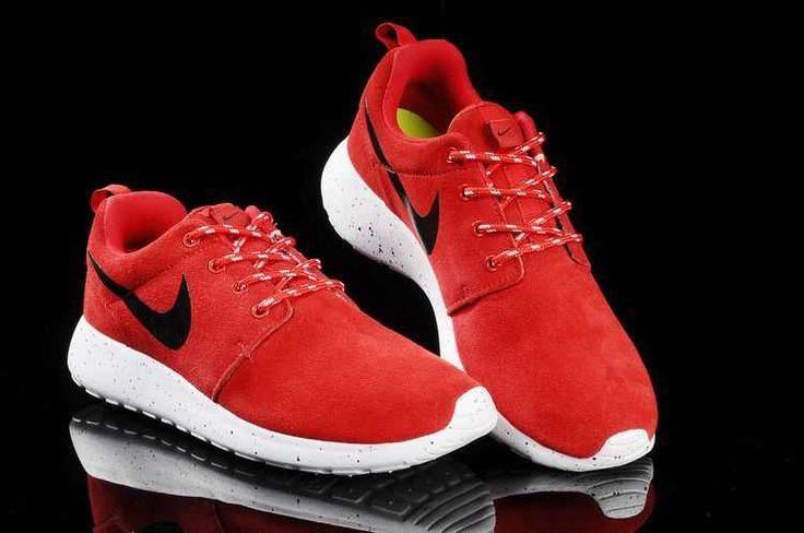 Trainers - Nike Roshe Run Suede Star Promo Mens Red Black