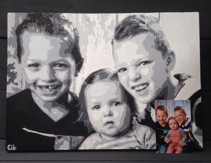 Pop-art portret Milan,Stijn en Amber. 70x50 cm. €170. Te bestellen aan de hand van een foto.  Twee super leuke lieve schilderijen mogen maken op basis van de schoolfoto🎉😍 Heel veel plezier ervan👍 Bedankt!   www.dbhomelycartoons.com