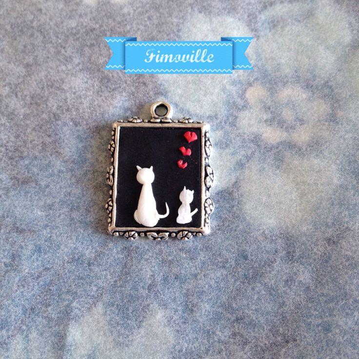 Ciondolino in fimo realizzato a mano raffigurante gattini