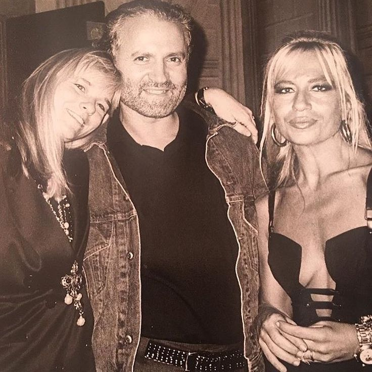 Gianni Versace and Donatella Versace, Glynis Costin Photo from @glyniscostin #gianniversace #versace #donatellaversace #glyniscostin #fashion #fashionblogger #blogger #bloggers #fashionista #vintagefashion #vintage #vintagestyle #fashionart #fashionable #fashiondesigner #fashionaddict #fashionlover #photography #photographer #90s