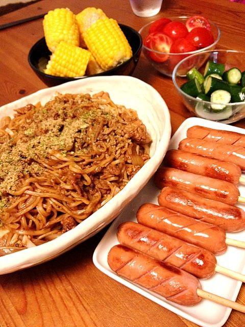 縁日みたいなメニューww - 16件のもぐもぐ - 富士宮焼きそば&フランク&トウモロコシ by mmry
