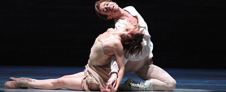 Kenneth MacMillan es uno de los mejores contadores de historias del ballet del siglo XX y, con su profundidad psicológica, Manon es una de sus historias más desgarradoras. Funciones entre el 20 y el 24 de noviembre de 2015. #PanoramasMayor