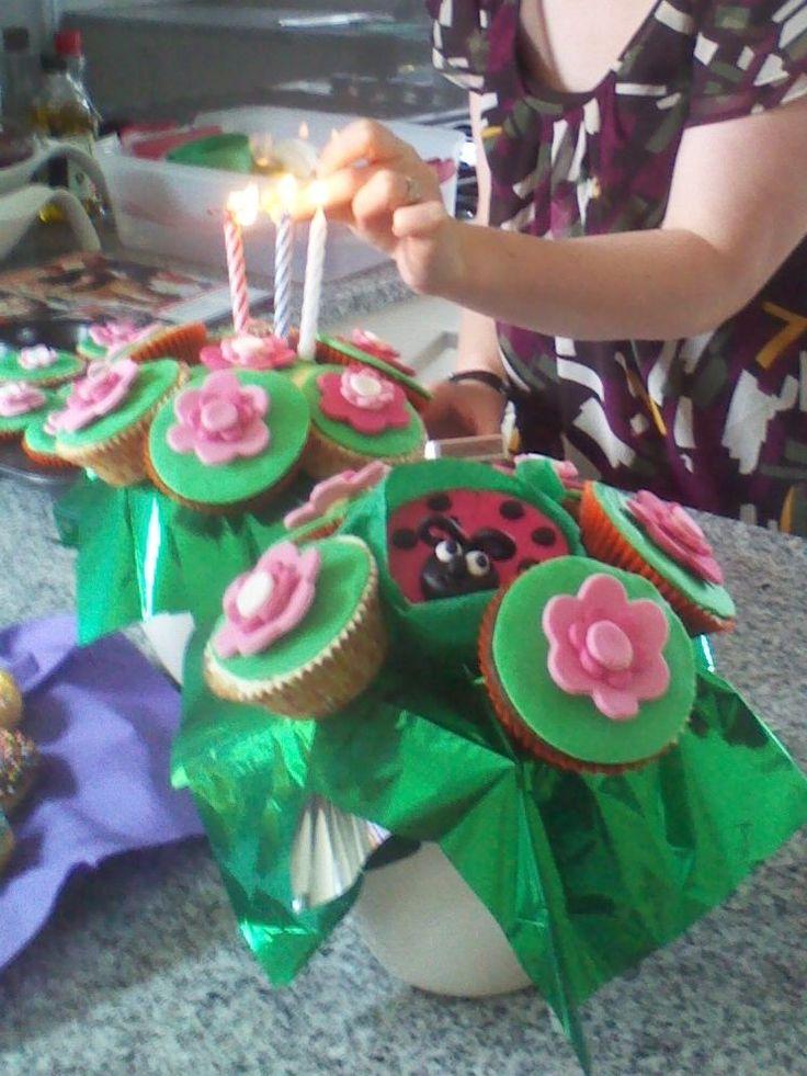 Flowerpot cupcakes for a friend 2012