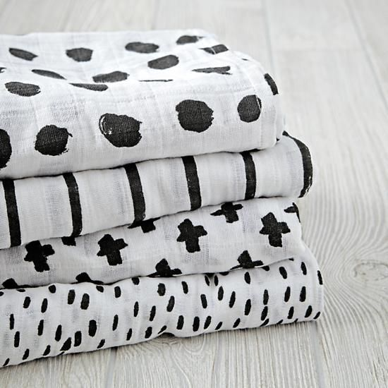 Adorned with playfully illustrated patterns by artist Ashley Goldberg, our Freehand Swaddle Blankets are a perfect blend of super soft comfort and super charming design. Made from 100% cotton muslin, it's perfect for keeping little ones swaddled and cozy, while also preventing them from getting too warm.