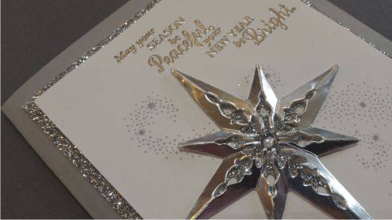 Combine the thinlit pieces from the Star of Light set to create gorgeous detailed stars like the one on this lovely card. #stampinup #holidaymini2016