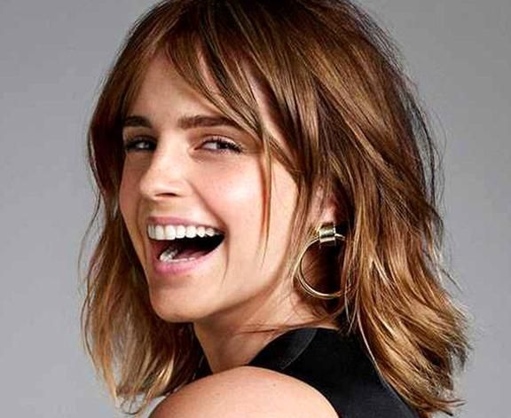 Emma Watson Short Hairstyles Middle Part Shoulder Length Wave In 2020 Emma Watson Hair Emma Watson Short Hair Short Hair Styles