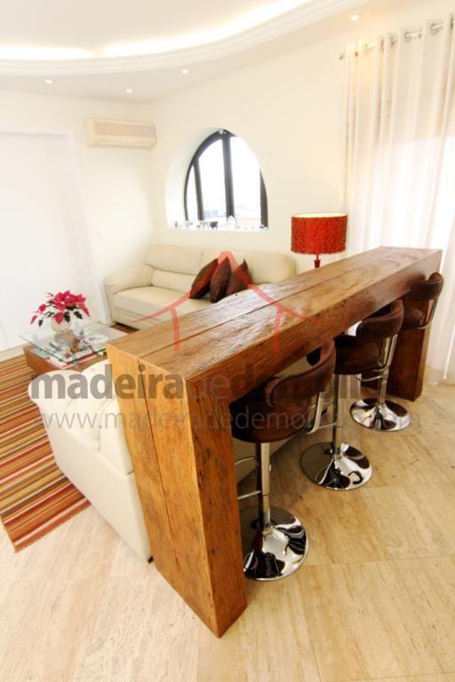 Aparador rústico, móveis em peroba rosa e mesas em madeira de demolição