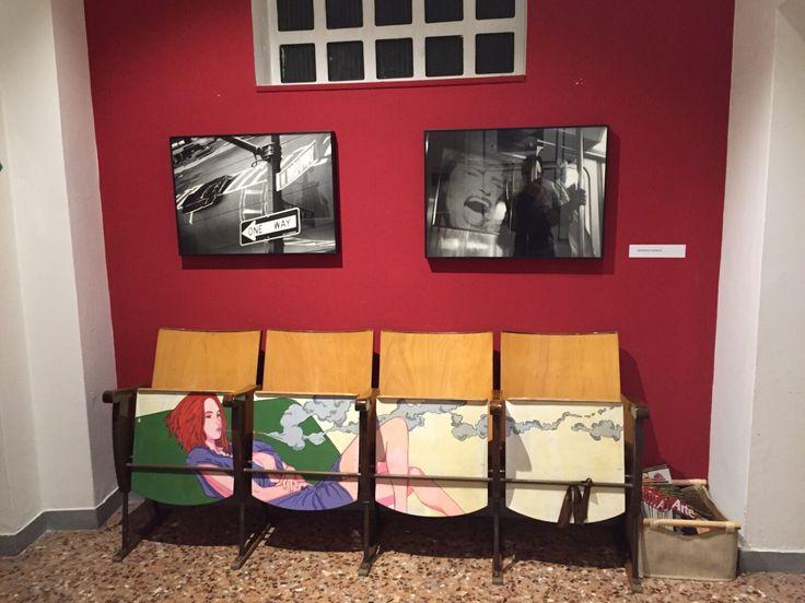 Le opere sono state allestite in modo da valorizzare le caratteristiche degli ambienti e dello spazio. In questa foto due opere di Francesco Nencini.