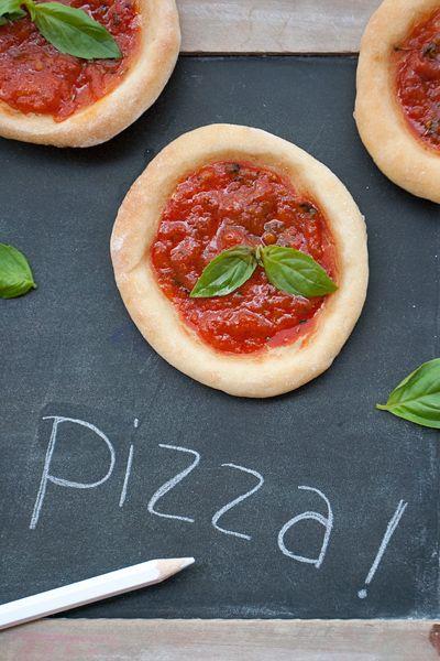 Pizza furba con yogurt, farina e lievito istantaneo - Labna