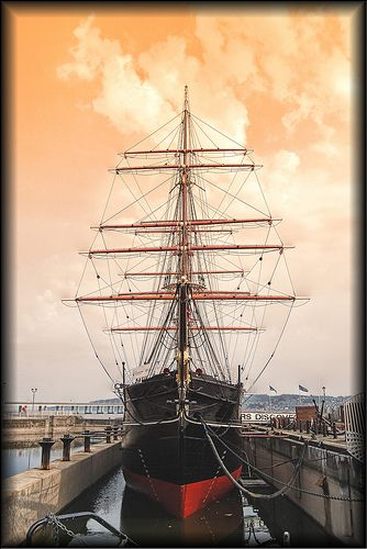 Beautiful image of Dundee's own RRS Discovery.