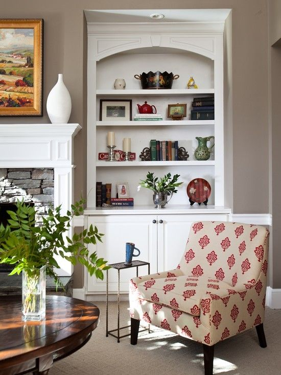 family room traditional family room atlanta rachel oliver decorative design love the wall color slightly darker in most of house