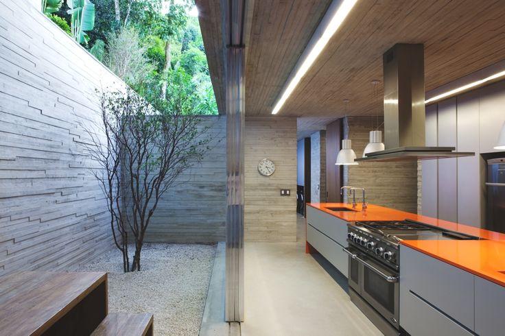 Luxury-Interior-Design-Ideas-Home-Brazil-13