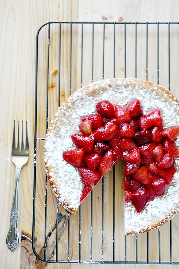 strawberry ricotta cheesecake